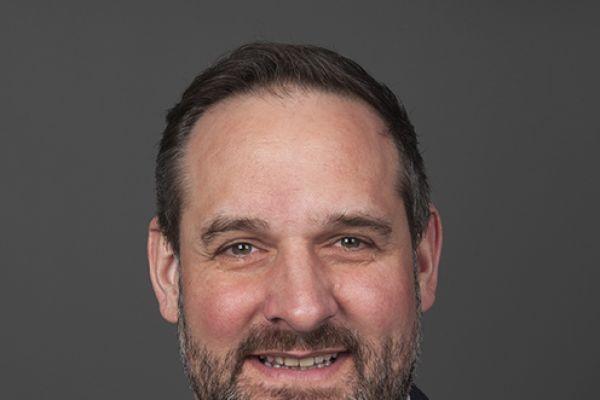 Das Bild zeigt Fabian Seeberger.