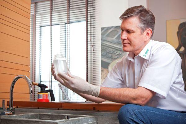 Bei Wiederinbetriebnahme einer Trinkwasser-Installation nach einer betrieblichen Stilllegung ist eine Probennahme durch ein akkreditiertes Labor erforderlich.