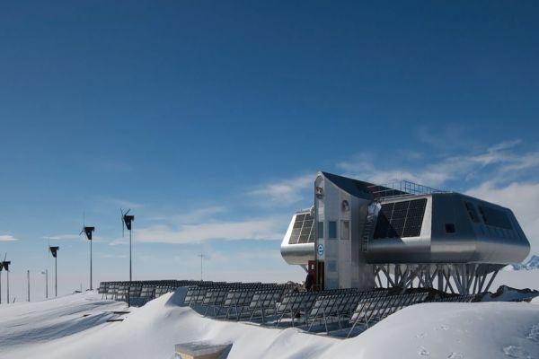 Heiztechnik für die Antarktis: Powermanager von my-PV sorgen für Warmwasser und Heizung aus Solarstrom