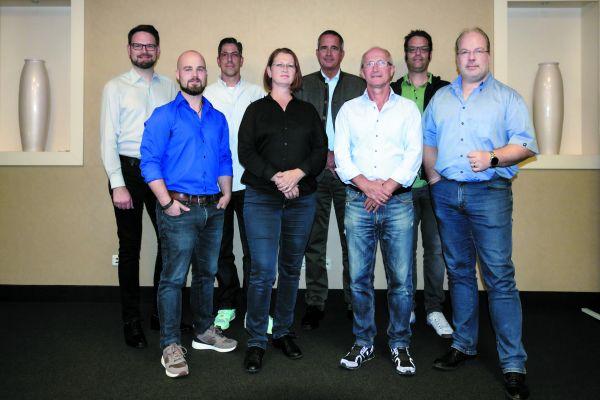 Die Gründungsmitglieder (v.l.n.r.): Helmut Röhner, Tim Fischer, Christian Strehlow (Schatzmeister), Alexandra Bürschgens (Schriftführerin), Hartmut Hardt, Andreas Glause (2. Vorstand), Carsten Freitag, Arnd Bürschgens (1. Vorstand).