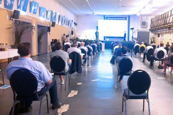 Das Bild zeigt die Generalversammlung.