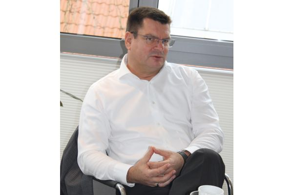 """""""Unsere Unternehmen begegnen sich auf Augenhöhe – und mit einer großen Offenheit"""", so DDS-Geschäftsführer Hagen Lotz."""