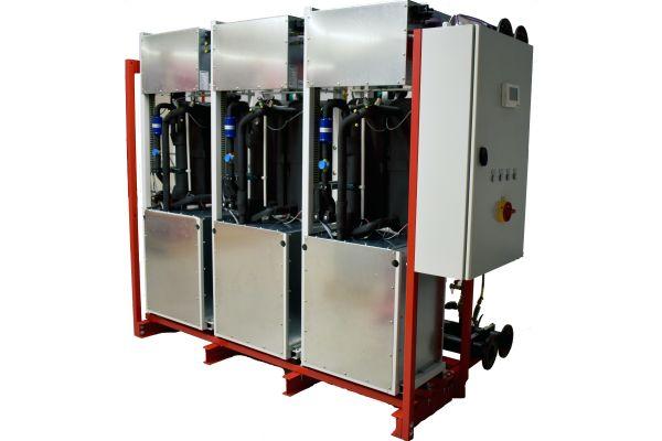Die einzelnen Kältekreise der Kaskaden-Wärmepumpe WP Max-KK von ratiotherm sind nach dem Schubladensystem montiert.