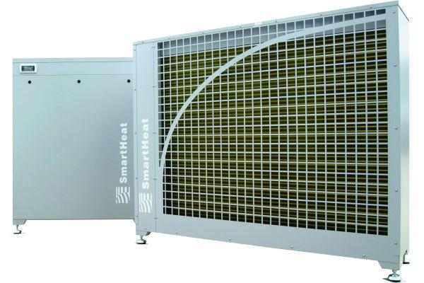 SmartHeat Deutschland hat die Bandbreite ihrer aero-Serie erweitert. Die Leistung reicht nun von 31 bis 176 kW. Das Bild zeigt die Luft/Wasser-Wärmepumpen aero plus 088 split.
