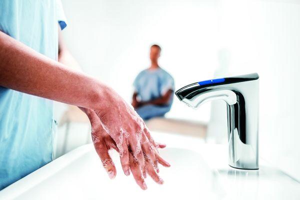 """""""Rada Intelligent Care"""" - innovative Waschtischarmaturen für das Gesundheitswesen"""