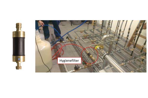 Der Hygienefilter von Geberit und dessen Verwendung zur Erstbefüllung  von Block 2 der Testsysteme mit künstlich kontaminiertem Trinkwasser.