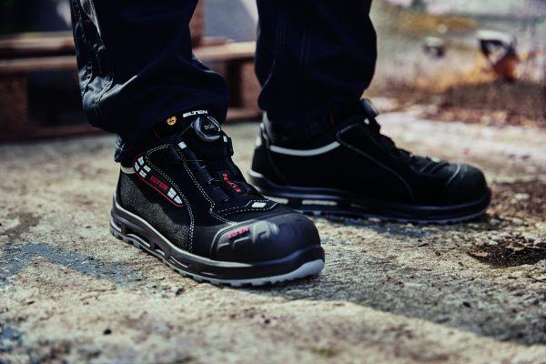 Was passender Fußschutz in der SHK-Branche leisten muss