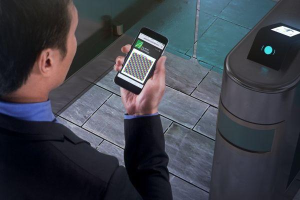 """Für die vertikale Erschließung der Gebäude sorgen acht Aufzüge von Schindler, die über das Transitmanagementsystem """"Port"""" gesteuert werden. Den Bewohnern des """"Future Living""""-Campus bietet die Digitalisierung hier weitere Funktionen: Haupteingangs- und Appartement-Türen sind vollständig in das System integriert. Über ein stationäres Terminal in der Wohnung oder eine App auf dem Smartphone können die Bewohner mit Besuchern am Eingang per Videochat kommunizieren. Mit einem Klick auf die """"Einladungstaste"""" öffnen sie dem Gast die Tür und stellen zugleich den Aufzug bereit, der automatisch die richtige Etage anfährt."""