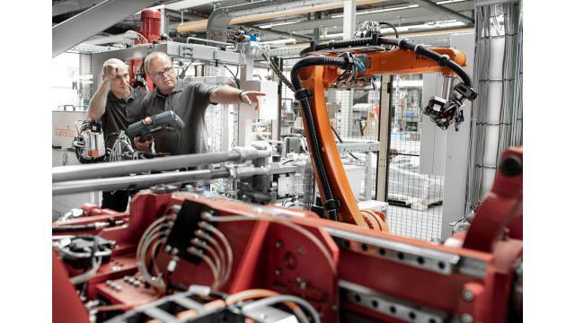 Das Bild zeigt einen Blick in die Produktion am Standort Brilon.