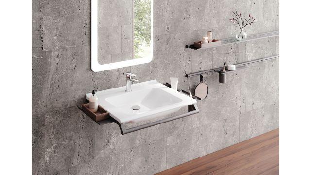 Modulares Waschtischsystem in einem Bad.