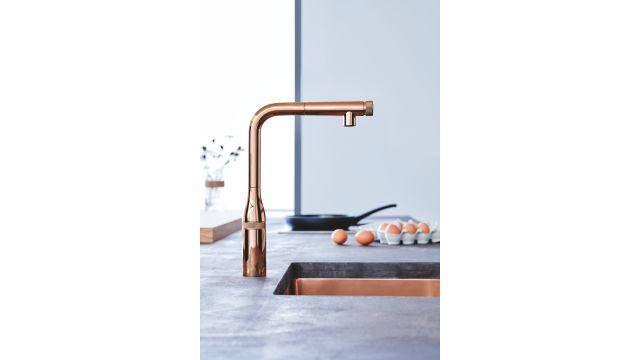 Das Bild zeigt eine kupferfarbene Küchenarmatur von Grohe.
