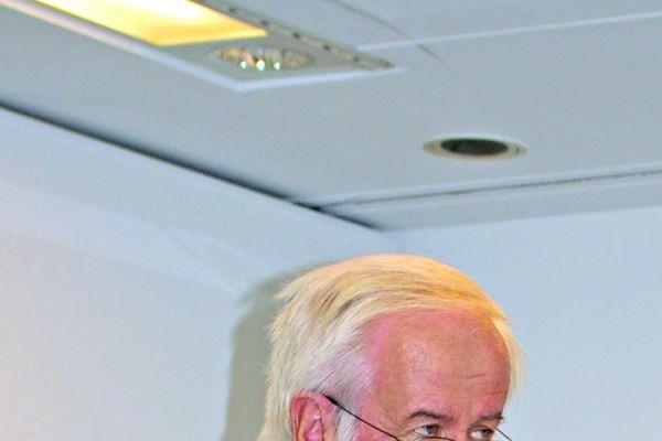 Systematisch in der Herangehensweise, aber verbindlich zielführend in der Diktion: DKI-Geschäftsführer Dr. Anton Klassert gab der Expertenrunde die notwendigen Diskussions-Leitplanken.