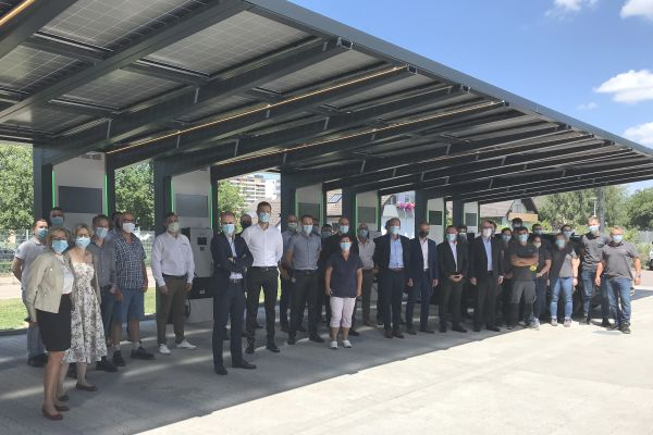 Schneider Electric: Neue solarunterstütze Ladeinfrastruktur für Niederlassung in Lahr