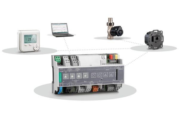 """Das Empur-""""Geniax""""-Wärmeverteilsystem ist ein Flächenheiz- und Regelungssystem, das eine zeitgenaue oder auf Nutzungsprofilen basierende, individuelle Wärmeversorgung einzelner Räume ermöglicht. Es besteht aus drei Hauptkomponenten: Pumpe, Management und Bedieneinheit. Jeder Heizkreis besitzt eine eigene Pumpe, die über den """"Geniax""""-Server – ein Teil des """"Geniax""""-Managements – angesteuert wird. Das Management wiederum erhält seine Informationen über Bediengeräte mit integrierten Fühlern. Zusätzlich ist der """"Geniax""""-Server mit einer sogenannten """"REST""""-API (genormte Web-Schnittstelle für HTTP) ausgestattet, die ihn """"Smart Home""""-fähig macht."""