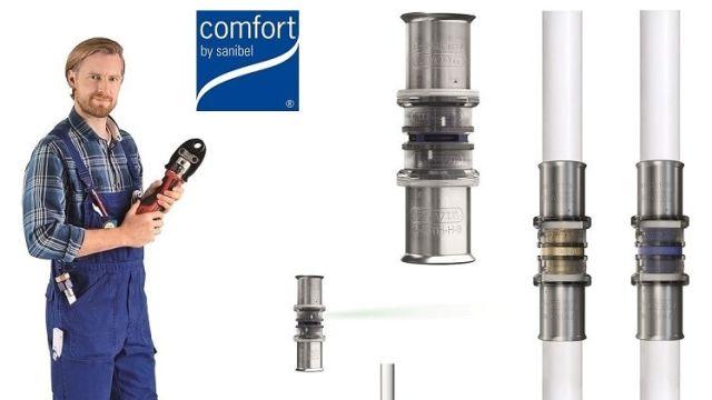 Das Bild zeigt einen Handwerker mit den neuen Fittings von comfort by sanibel.