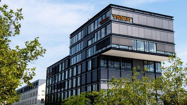 Außenansicht des Gebäudes des Unternehmens Visteon in Karlsruhe.