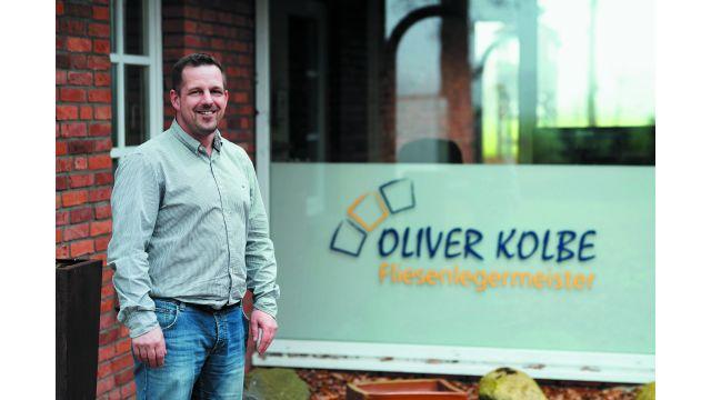 """Seit rund 13 Jahren ist Fliesenlegermeister Oliver Kolbe als Sachverständiger tätig. Seine Prognose: """"Die Fliesenleger werden in gut ausgestatteten Bädern künftig auch stärker auf die Auswahl der Entwässerungslösung Einfluss nehmen."""""""