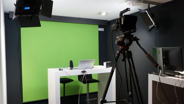 Das Bild zeigt das Filmstudio von Kaldewei.
