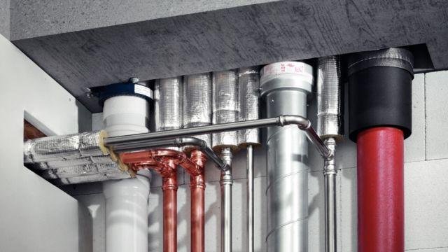 Das Bild zeigt Leitungen, die im Nullabstand montiert wurden.