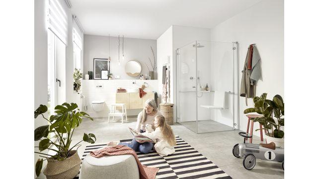 Auf bestimmte bauliche Veränderungen haben Wohnungsbesitzer in einer Eigentümergemeinschaft jetzt Anspruch. So muss die Gemeinschaft barrierefreie Umbaumaßnahmen erlauben, wenn einzelne Wohnungseigentümer beispielsweise eine bodengleiche Dusche wollen.