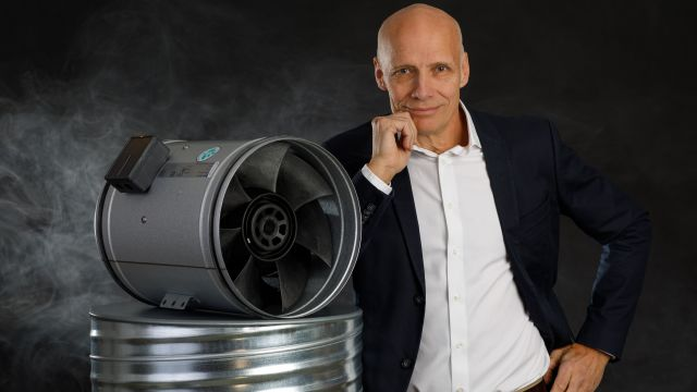 Das Bild zeigt Mats Sándor.