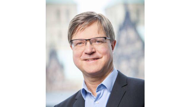 Das Bild zeigt Dr. Martin Stoltefuß.