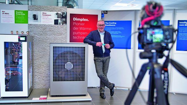 Das Bild zeigt das Dimplex-Studio.