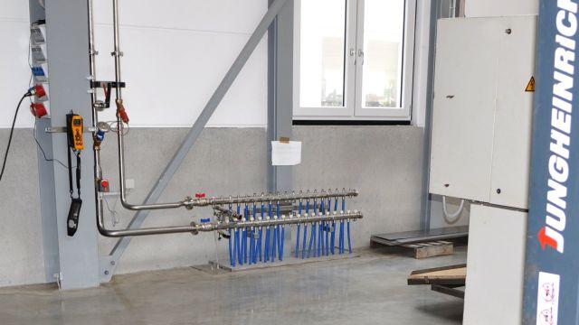 Foto: Verteiler für Betonkerntemperierung.