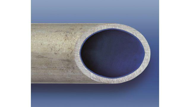 In durchschnittlich 70 Prozent aller Wasserleitungen hat sich eine Rost- und Kalkschicht abgelagert (Bild 1), die die Rohrstruktur schädigt. Mit einer Rohrinnensanierung (Bild 2) könne ein Austausch vermieden und die Leitung dauerhaft versiegelt werden, so das Starnberger Unternehmen Risan.
