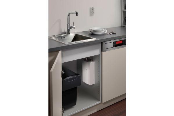Effizienter Kompakt-Durchlauferhitzer von AEG Haustechnik:   Warmwasser immer sofort zur Stelle