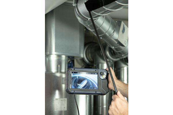 Der Gesetzgeber schreibt eine mindestens jährliche Sichtkontrolle aller Brandschutzklappen vor. Per Videoinspektionskamera ist dies effektiv möglich. Außerdem kann die Inspektion mit Fotos und Videos dokumentiert werden.