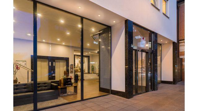 """Foto: Das """"Novum Hotel Bruy"""" in Stuttgart-Zuffenhausen - Hotel mit Geschichte auf dem neuesten energetischen Stand."""