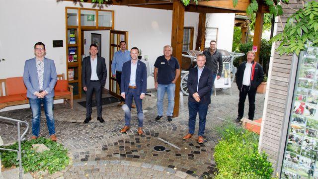 Gruppenbild mit Chefredakteur Jörg Gamperling, HeizungsJournal