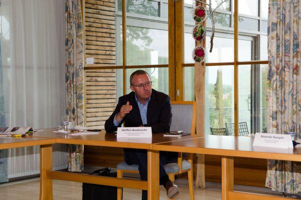 """Steffen Bauknecht, Verkaufsleiter Heiztechnik  Deutschland, Living Environment Systems, Mitsubishi Electric Europe B.V.  """"Strom wird, gerade vor dem Hintergrund der Sektorenkopplung, zur wichtigsten und wertvollen Leitenergie."""""""