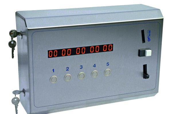 Das Bild zeigt den Münzzeitautomaten von Rada.