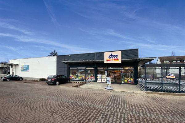 Der dm-Markt im hessischen Bad Nauheim ist die erste Filiale, in der zurückgewonnenes und wiederaufbereitetes Kältemittel zum Einsatz kommt.