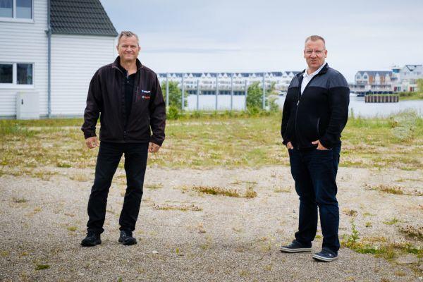 In Teamarbeit zum Projekterfolg: Peter Mausolf, Key Account Manager Planer bei Bosch Thermotechnik (li.) und Henrik Gotsch, Geschäftsführer der Gotsch GmbH.