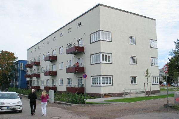 Das energetisch sanierte Bauhaus-Gebäude in Magdeburg.