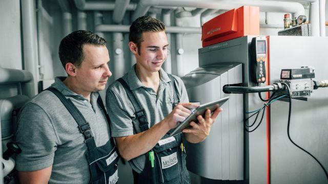 """In der Referenz: Die Mitarbeiter von Mölleken nutzen auch die mobile Version der Software """"labelwin"""" – """"label Mobile"""" läuft auf Smartphones und Tablets."""