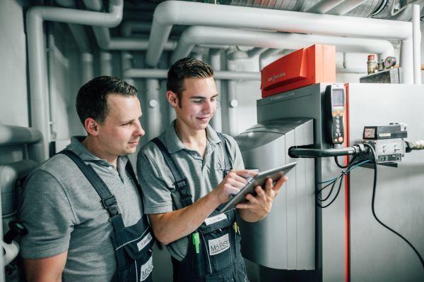 """Die Mitarbeiter von Mölleken nutzen auch die mobile Version der Software """"labelwin"""" – """"label Mobile"""" läuft auf Smartphones und Tablets."""