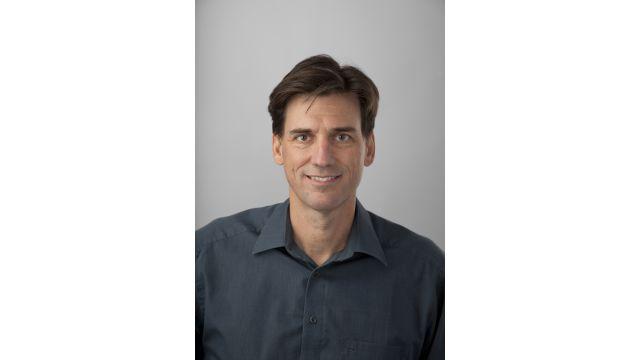 Das Bild zeigt ein Portraitfoto von Herrn Steinhart, Geschäftsführender Gesellschafter der Firma Enerlink GmbH