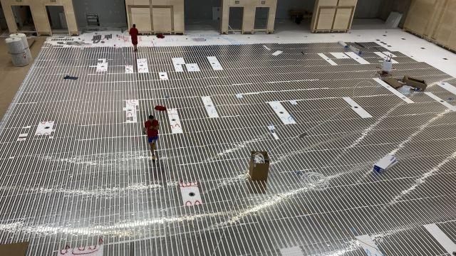 Foto: Die FHM Service GmbH übernimmt verschiedenste Flächenheizungsprojekte für ihre Kunden  - von der klassischen Fußbodenheizung im Klett-, Tacker- und Classic-System bis hin zu spezielleren Anwendungen wie einem Sportboden.