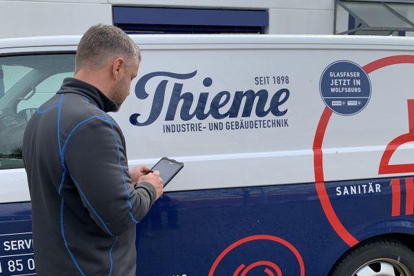 Die Thieme GmbH & Co. KG mit Sitz im niedersächsischen Wolfsburg vereint traditionelles Fachhandwerk mit modernsten Lösungen der Industrie- und Gebäudetechnik.