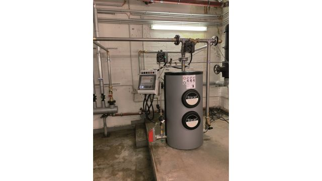 """Watercryst in Aktion: Im Park-Veedel in Köln-Nippes wurden Anlagen des Typs """"KS 11000"""" und """"KS 5 D"""" installiert. Hier kurz vor der Fertigung, daher noch ohne Isolierung der Rohrleitungen."""