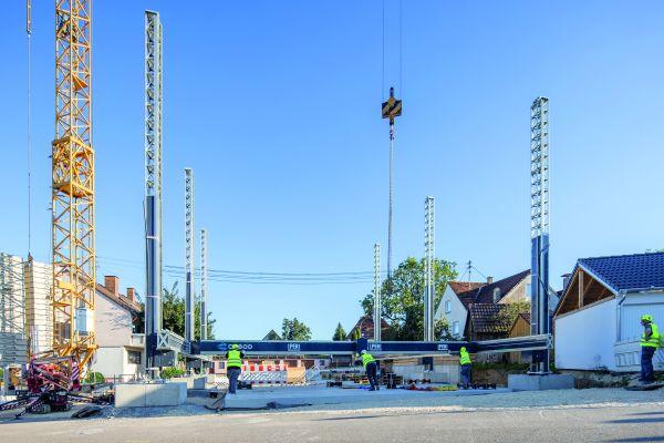 """Der 3D-Konstruktionsdrucker """"BOD2"""" von Cobod druckt mit einer Maximalgeschwindigkeit von 1 m/s. Er ist damit aktuell der schnellste 3D-Betondrucker auf dem Markt. Im Peri-Projekt in Wallenhausen kommt er mit den Abmessungen 12,5 x 20 x 7,5 m zum Einsatz."""