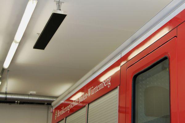 In der Referenz: elektrische Infrarot-Hallenheizung in einer Feuerwehr-Fahrzeughalle.