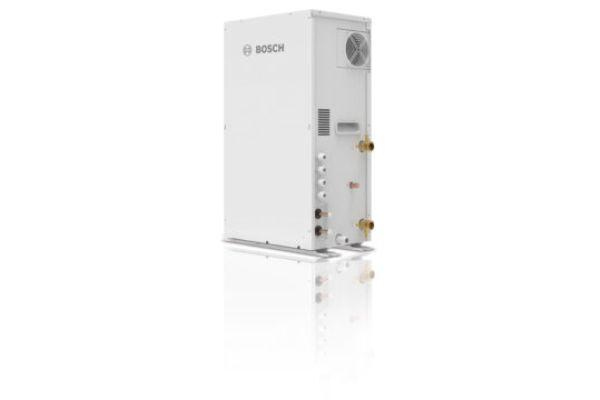 """Buderus bietet die Hydrobox """"AF-HB 140-1"""" als Komponente für VRF-Klimasysteme """"AF6300A"""" an. Damit lässt sich das VRF-Klimasystem nicht nur zum Heizen und Kühlen, sondern zugleich auch zur Warmwasserbereitung einsetzen."""