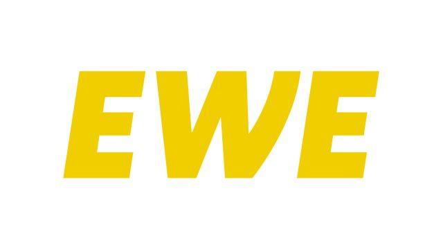 Das Bild zeigt das Logo von EWE