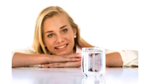 Hygienisch einwandfrei und unschlagbar günstig: Trinkwasser – Lebensmittel Nummer eins!