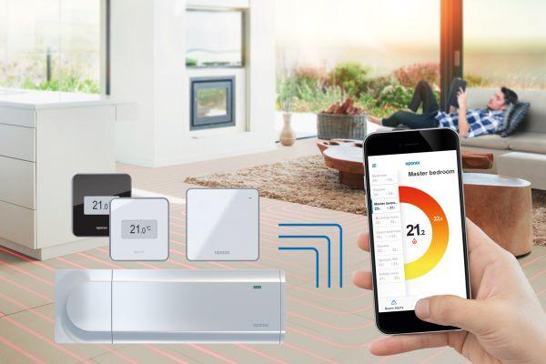 """Die Regelungstechnik Uponor-""""Smatrix"""" kann sowohl den Heiz- als auch den Kühlfall einer Flächentemperierung optimieren. Die Variante """"Smatrix Pulse"""" punktet zudem durch ihre """"Smart Home""""-Funktionen."""